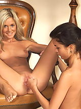 joyce 04 spreading pussy flaps shaved cunt